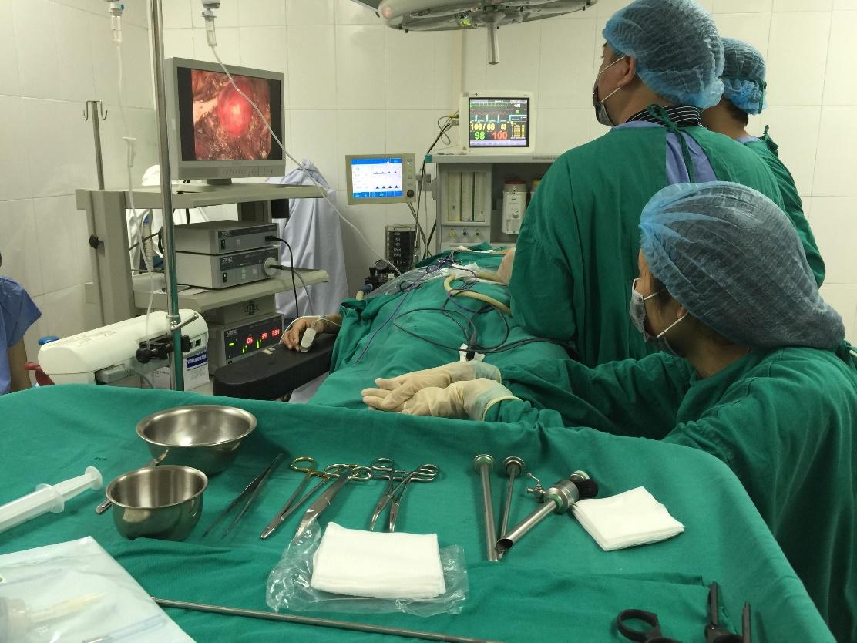 phẫu thuật tuyến giáp